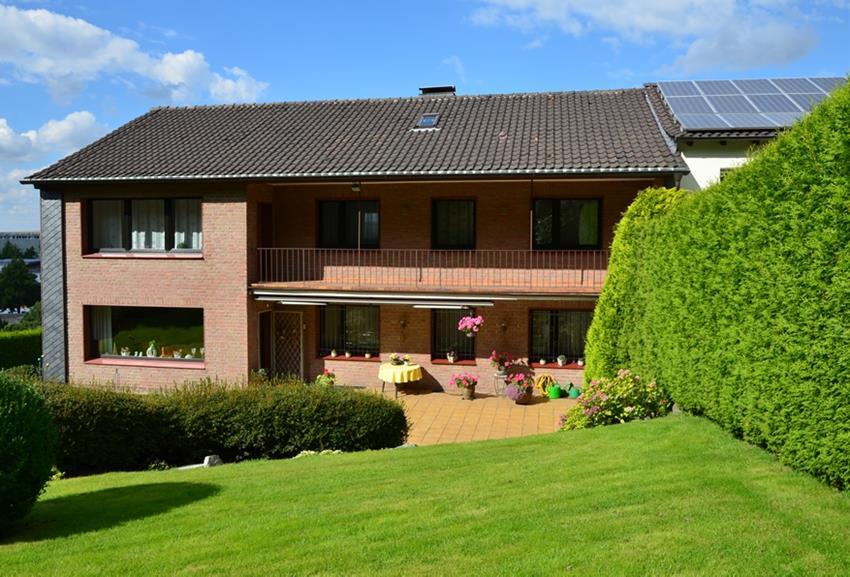 Neu im verkauf zweifamilienhaus oder mehrgenerationenhaus for Zweifamilienhaus mieten